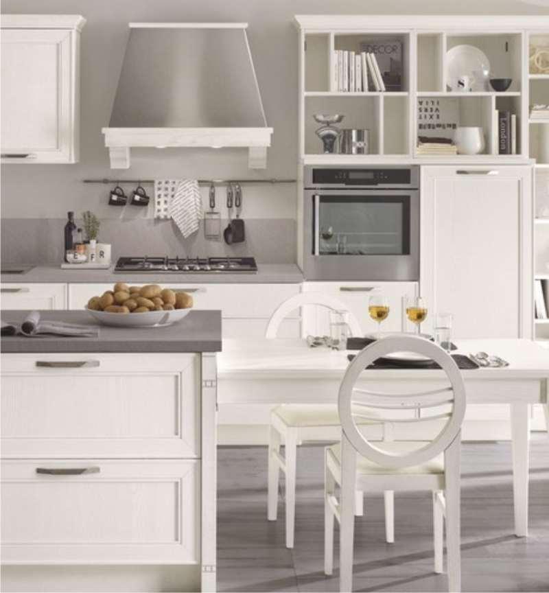 cucina classica moderna bianca