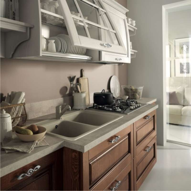 cucina di gusto classico con vasistas