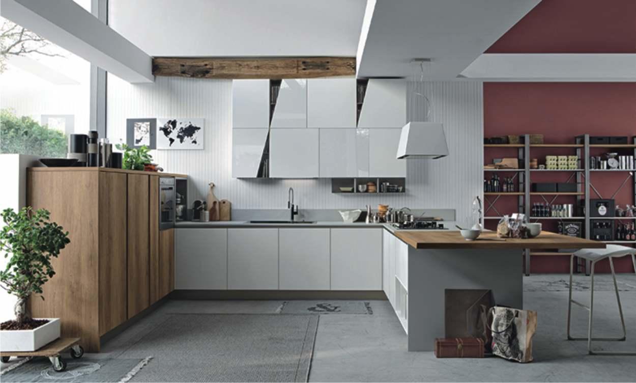 cucina di design con ante oblique