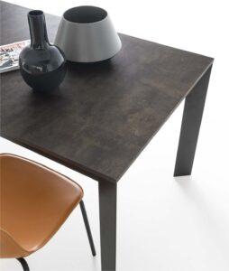 tavolo moderno in brianza